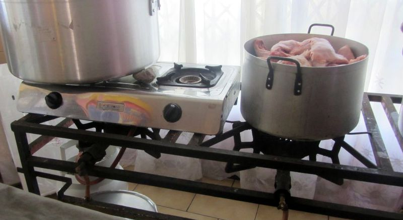 Hot plate and gas rings because the range is broken